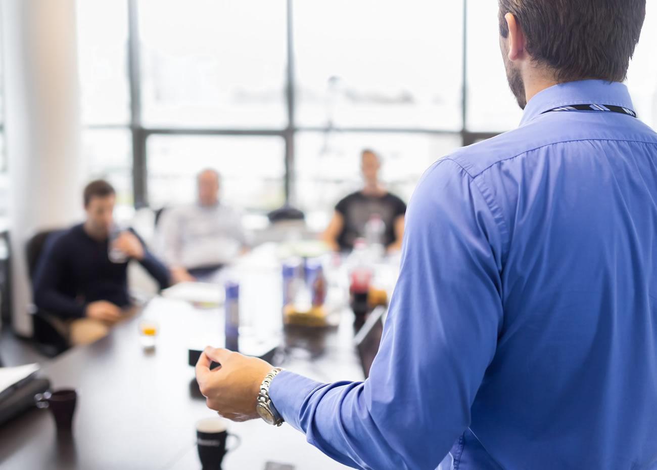 naem-2018-concept-business-man-making-presentation-office-executive-700x500