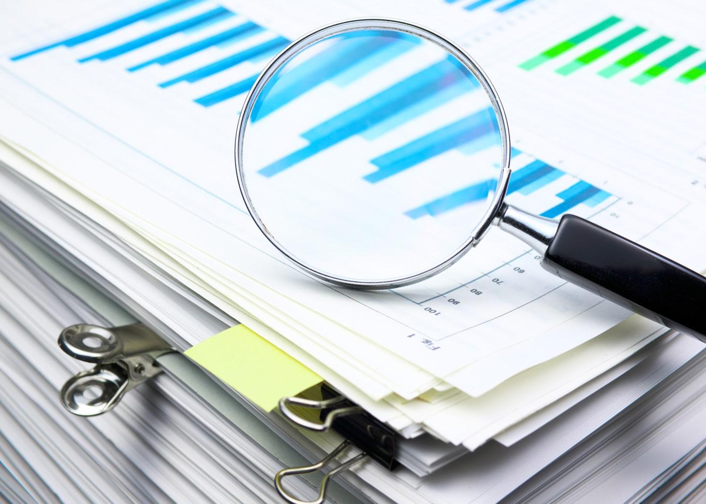 naem-2011-analyzing-data-scanning-business-documents-magnifying-700x500