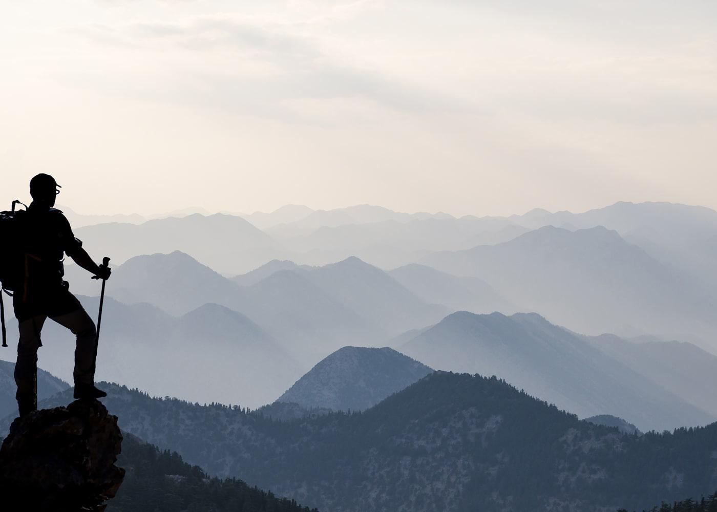 naem-2018-blog-alone-summit-climber-successful-climbers-700x500