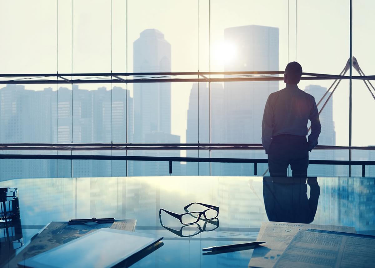 naem-2018-blog-businessman-big-office-700x500