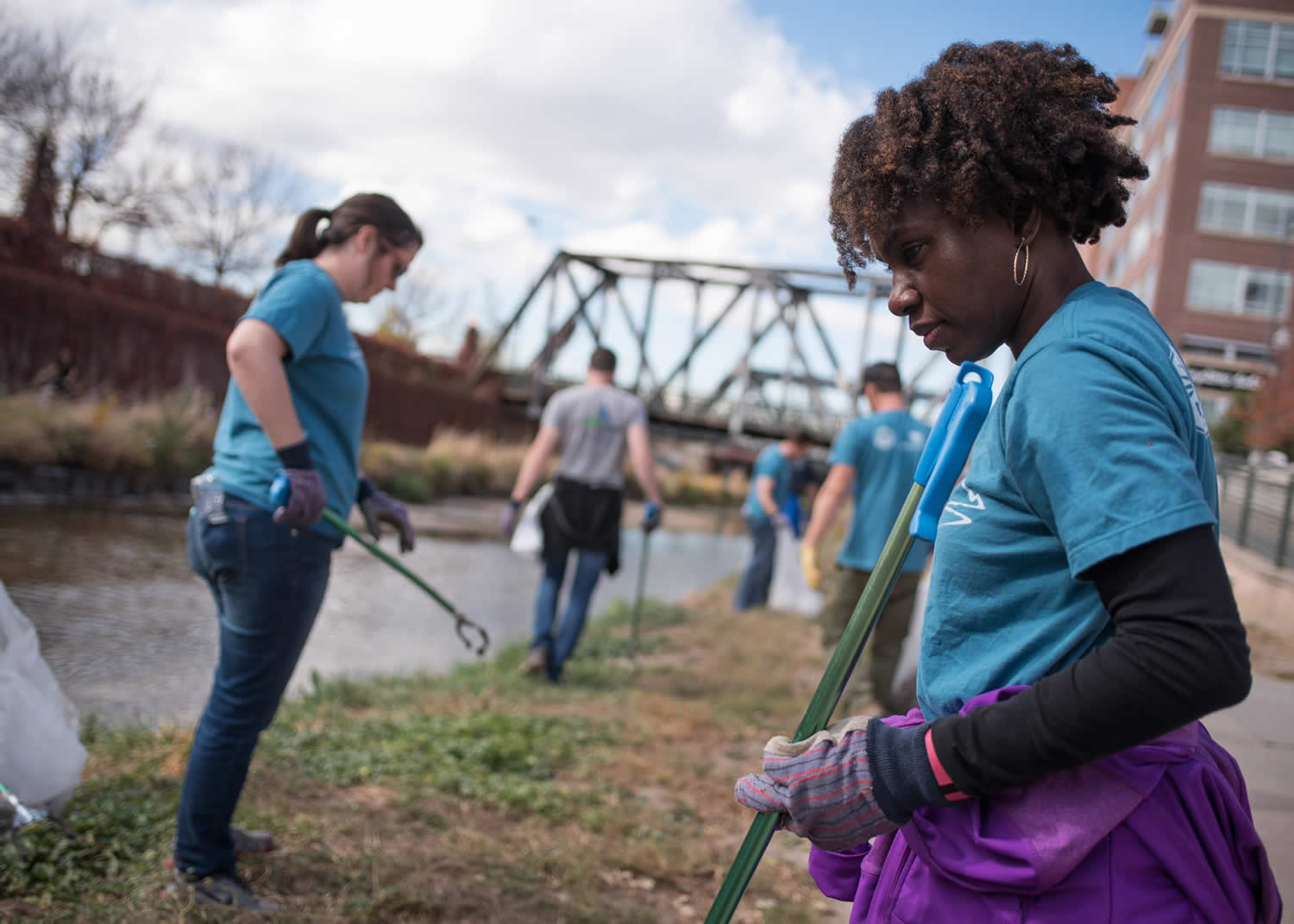 naem-2016-10-11-latest-news-corporate-ehs-sustainability-leaders-to-participate-in-platte-river-cleanup-in-denver-for-2016-naem-day-of-service-700x500